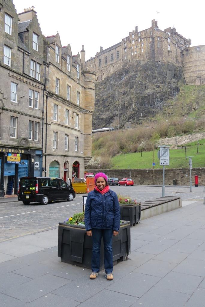 Jess in front of Edinburgh Castle